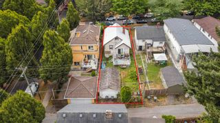"""Photo 3: 381 E 19TH Avenue in Vancouver: Main House for sale in """"Riley Park/Mt.Pleasant"""" (Vancouver East)  : MLS®# R2607959"""