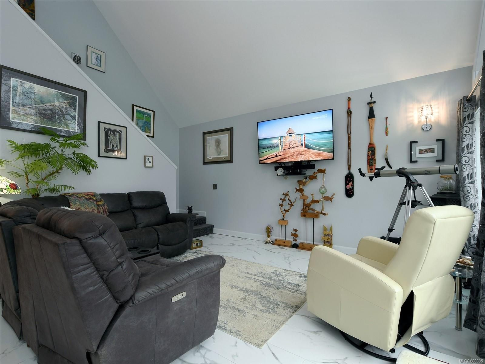 Photo 4: Photos: 5739 Siasong Rd in : Sk Saseenos House for sale (Sooke)  : MLS®# 866005