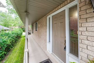 Photo 5: 2304 Sovereign Street in Oakville: Bronte West House (Bungaloft) for sale : MLS®# W5329641