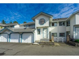"""Photo 4: 34 19797 64 Avenue in Langley: Willoughby Heights Townhouse for sale in """"CHERITON PARK"""" : MLS®# R2624179"""