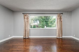 Photo 2: 217 Westminster Drive SW in Calgary: Westgate Detached for sale : MLS®# A1128957