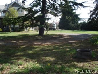 Photo 4: Photos: Lot E 4423 Tyndall Ave in VICTORIA: SE Gordon Head Land for sale (Saanich East)  : MLS®# 499179