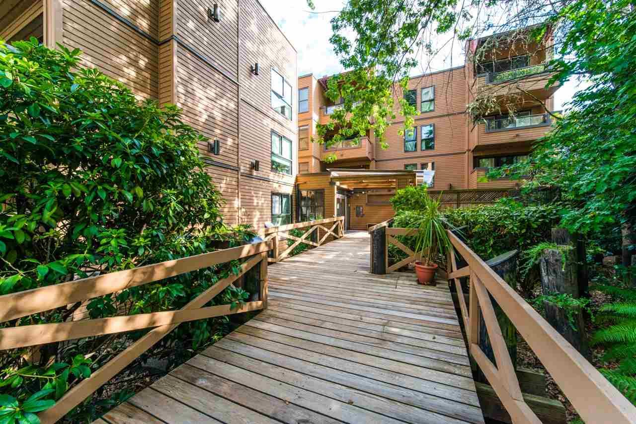 """Photo 17: Photos: 406 1435 NELSON Street in Vancouver: West End VW Condo for sale in """"WESTPORT"""" (Vancouver West)  : MLS®# R2405328"""
