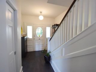 Photo 2: 2022 E 3RD Avenue in Vancouver: Grandview VE House for sale (Vancouver East)  : MLS®# R2219361