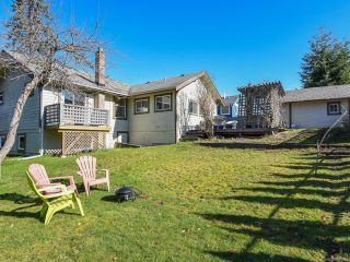 Photo 3: 528 3rd St in COURTENAY: CV Courtenay City House for sale (Comox Valley)  : MLS®# 835838