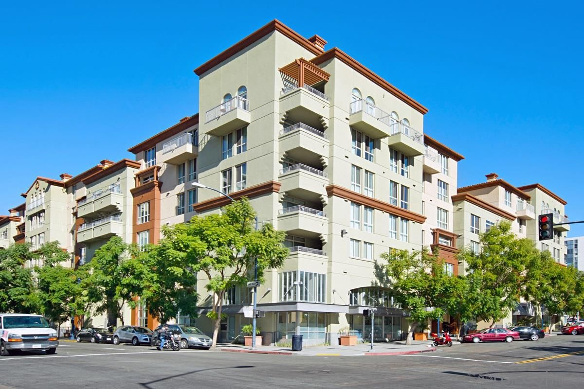Main Photo: SAN DIEGO Condo for sale : 1 bedrooms : 1501 Front  St. #544