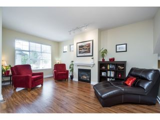 "Photo 3: 23 6050 166TH Street in Surrey: Cloverdale BC Townhouse for sale in ""WESTFIELD"" (Cloverdale)  : MLS®# R2365390"