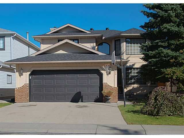 Main Photo: 34 SUNVISTA Crescent SE in Calgary: Sundance Residential Detached Single Family for sale : MLS®# C3636190