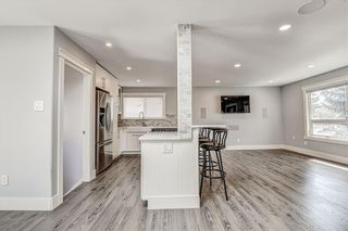 Photo 16: 324 WASCANA Crescent SE in Calgary: Willow Park Detached for sale : MLS®# C4296360