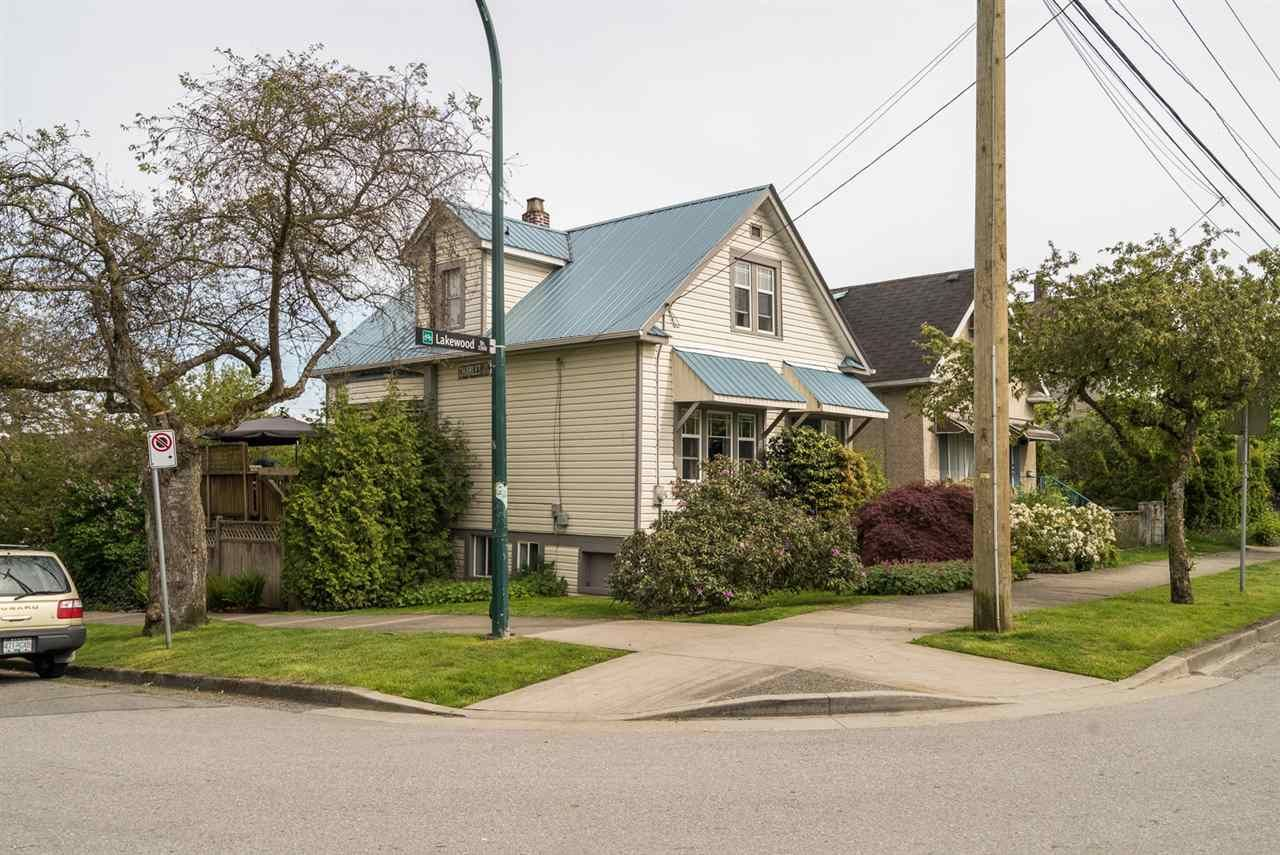 "Main Photo: 1304 LAKEWOOD Drive in Vancouver: Grandview VE House for sale in ""Commercial Dr."" (Vancouver East)  : MLS®# R2181838"