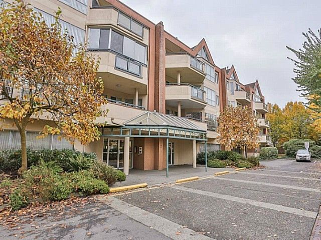 "Main Photo: 305 8600 LANSDOWNE Road in Richmond: Brighouse Condo for sale in ""TIFFANY GARDENS"" : MLS®# V1051180"