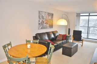 """Photo 9: 1308 1 RENAISSANCE Square in New Westminster: Quay Condo for sale in """"QUAY"""" : MLS®# R2234091"""