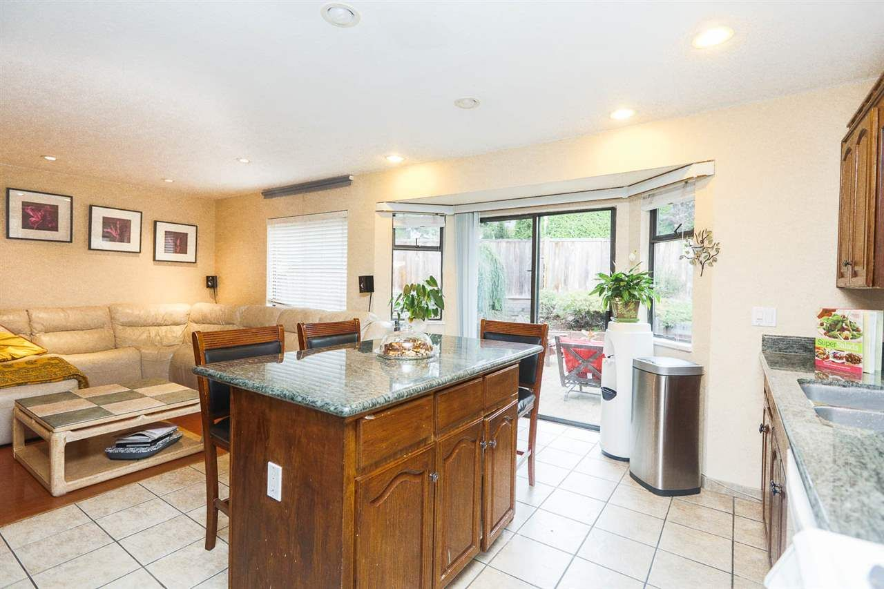 "Photo 10: Photos: 6764 NICHOLSON Road in Delta: Sunshine Hills Woods House for sale in ""SUNSHINE HILLS"" (N. Delta)  : MLS®# R2136095"