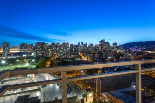 """Photo 5: 1901 188 KEEFER Street in Vancouver: Downtown VE Condo for sale in """"188 Keefer"""" (Vancouver East)  : MLS®# R2580272"""