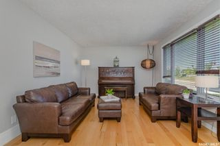 Photo 2: 3827 33rd Street West in Saskatoon: Confederation Park Residential for sale : MLS®# SK868468