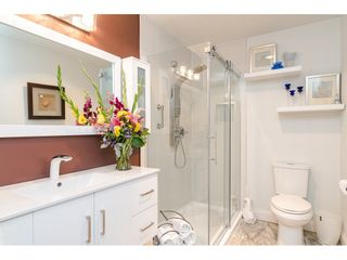 """Photo 16: 304 14950 THRIFT Avenue: White Rock Condo for sale in """"The Monterey"""" (South Surrey White Rock)  : MLS®# R2526137"""