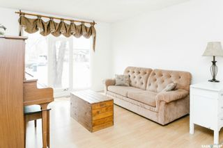 Photo 4: 234 Mowat Crescent in Saskatoon: Pacific Heights Residential for sale : MLS®# SK852816