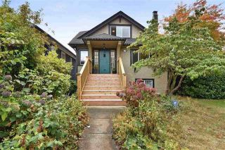 Photo 1: 2602 DUNDAS Street in Vancouver: Hastings Sunrise House for sale (Vancouver East)  : MLS®# R2538537