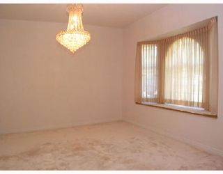 """Photo 3: 2989 SOUTHCREST Drive in Burnaby: Montecito House for sale in """"MONTECITO"""" (Burnaby North)  : MLS®# V658144"""