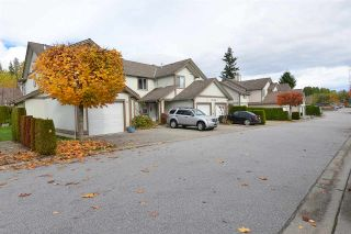 Photo 2: 21 735 PARK ROAD in Gibsons: Gibsons & Area Townhouse for sale (Sunshine Coast)  : MLS®# R2319174