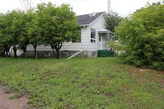 Photo 1: 5106 50 Street: Myrnam House for sale : MLS®# E4099480