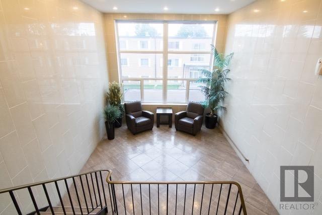 Photo 14: Photos: 306 1710 Taylor Avenue in Winnipeg: River Heights Condominium for sale (1D)  : MLS®# 1820539