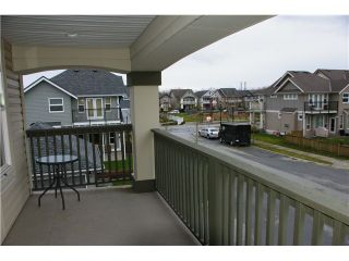 """Photo 8: 19485 THORBURN Way in Pitt Meadows: South Meadows House for sale in """"RIVERS EDGE"""" : MLS®# V991085"""