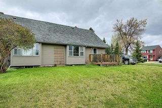 Main Photo: 438 Willow Crescent: Springbrook Semi Detached for sale : MLS®# A1107706