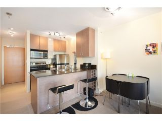 "Photo 5: 2208 909 MAINLAND Street in Vancouver: Yaletown Condo for sale in ""YALETOWN PARK"" (Vancouver West)  : MLS®# V1038320"