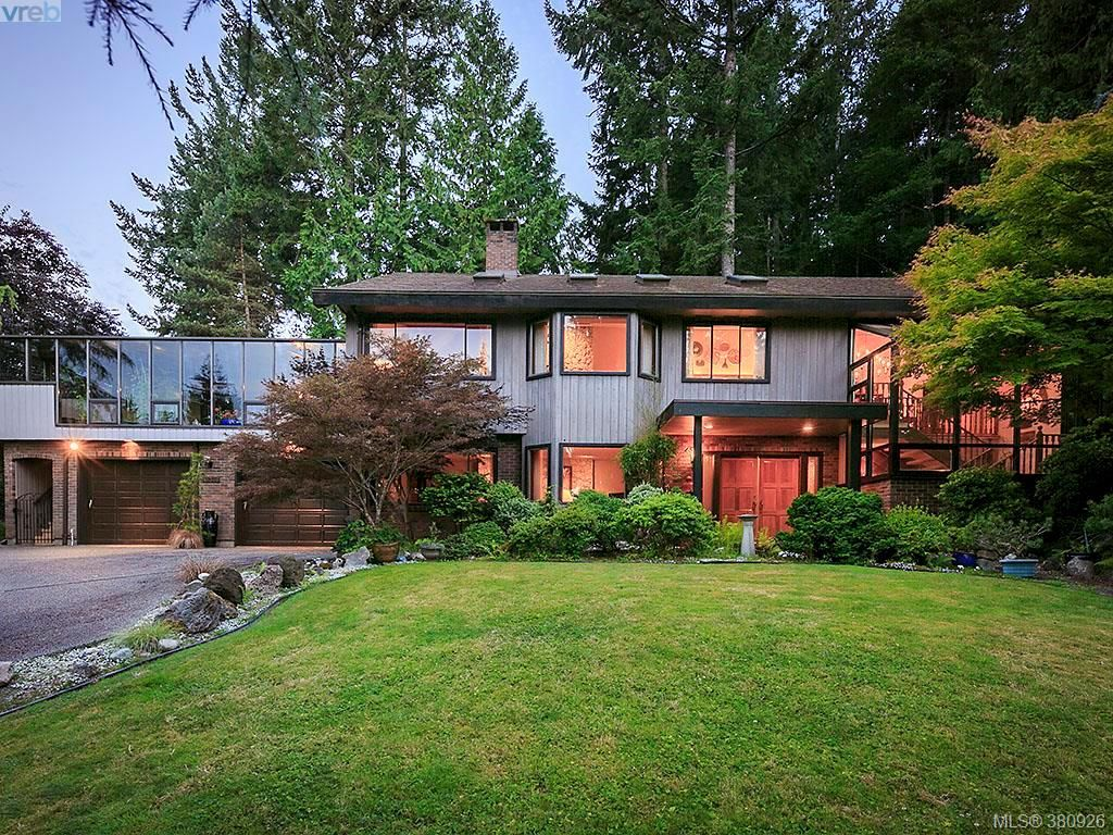 Main Photo: 11316 Ravenscroft Pl in NORTH SAANICH: NS Swartz Bay House for sale (North Saanich)  : MLS®# 765344
