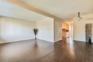 Photo 7: 3123 40 Street SW in Calgary: Attached for sale : MLS®# C4035349