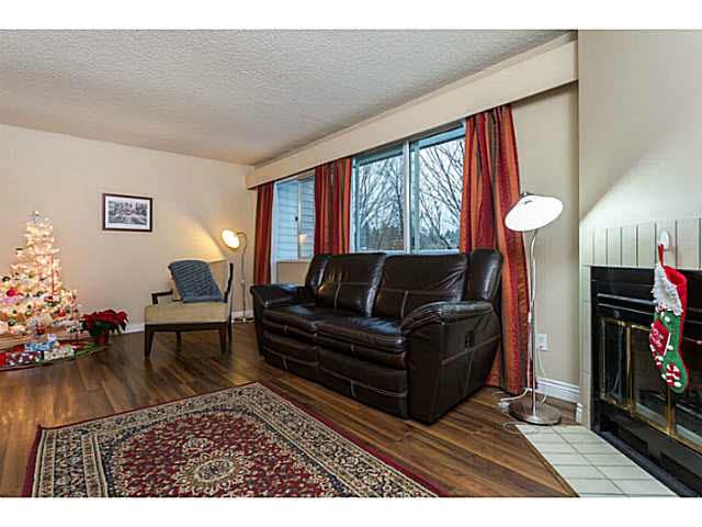 Main Photo: 21 3384 COAST MERIDIAN ROAD in : Lincoln Park PQ Townhouse for sale : MLS®# V1096538