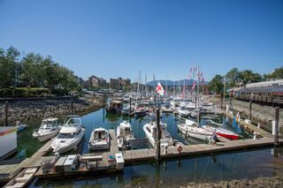 Photo 14: 1523 MARINER WALK in Vancouver: False Creek Townhouse for sale (Vancouver West)  : MLS®# R2367455