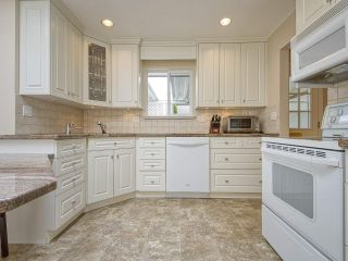 """Photo 3: 233 67 Street in Tsawwassen: Boundary Beach House for sale in """"Bounday Bay"""" : MLS®# R2455324"""