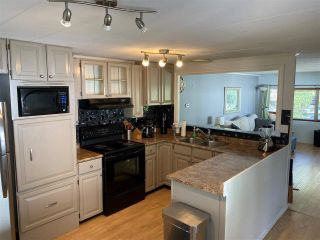 """Photo 4: 74 7790 KING GEORGE Boulevard in Surrey: East Newton Manufactured Home for sale in """"CRISPEN BAYS"""" : MLS®# R2489306"""