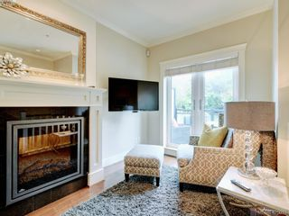Photo 4: 14 675 Superior St in VICTORIA: Vi James Bay Row/Townhouse for sale (Victoria)  : MLS®# 831309