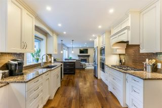 """Photo 4: 21009 85A Avenue in Langley: Walnut Grove House for sale in """"MANOR PARK"""" : MLS®# R2515595"""