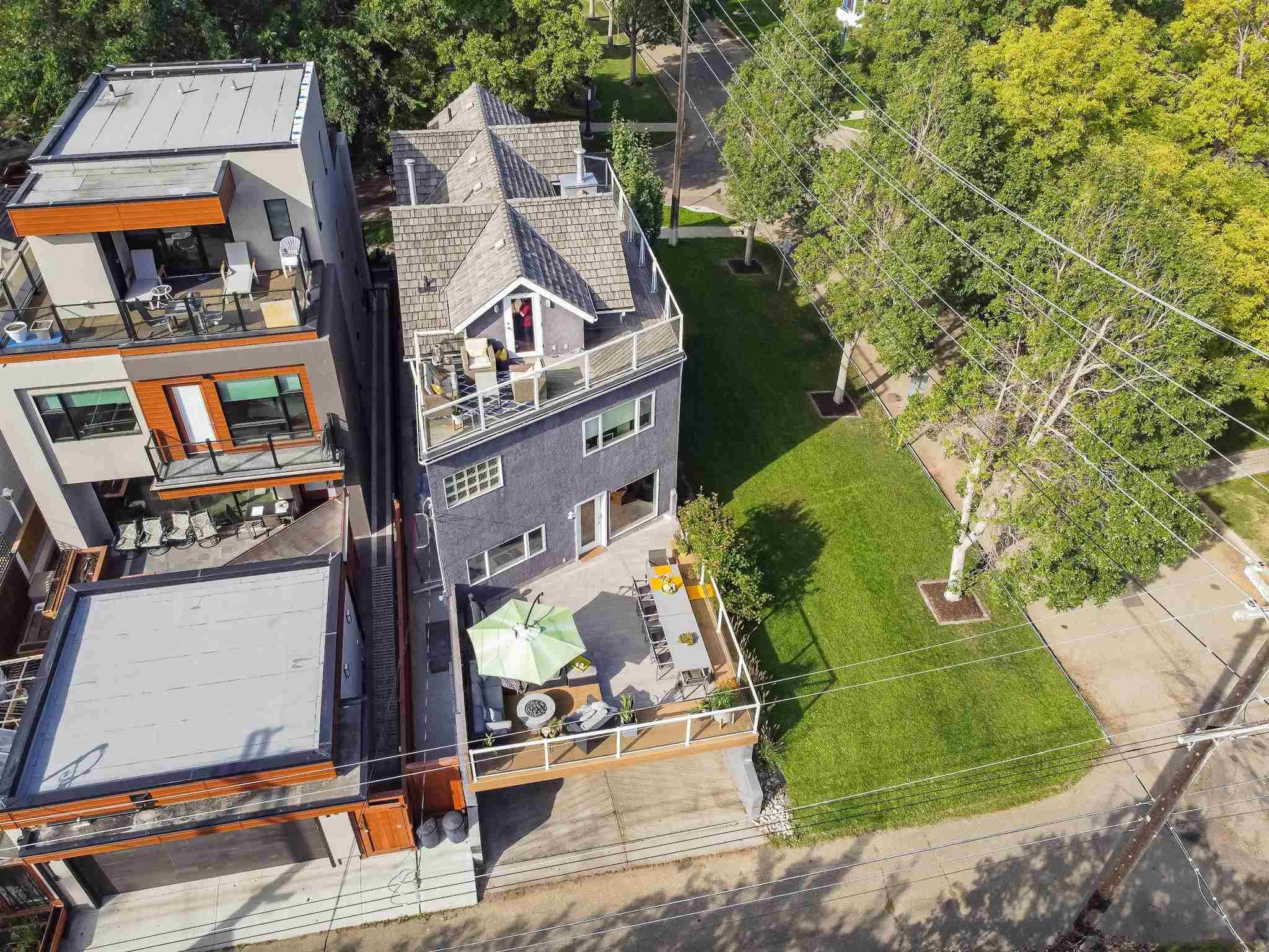Main Photo: 9447 100A Street in Edmonton: Zone 12 House for sale : MLS®# E4252347