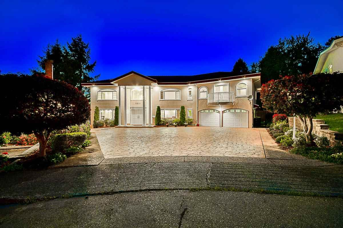 Main Photo: 5511 CEDARDALE Court in Burnaby: Parkcrest House for sale (Burnaby North)  : MLS®# R2131065