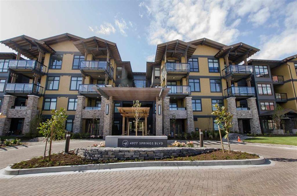 Main Photo: 215 4977 Springs Boulevard in Delta: Tsawwassen North Condo for sale (Tsawwassen)  : MLS®# r2567513