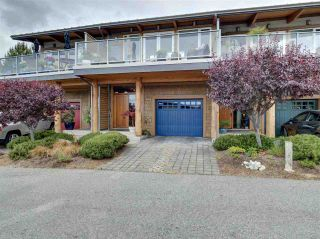 """Photo 4: 6498 WILDFLOWER Place in Sechelt: Sechelt District Townhouse for sale in """"Wakefield Beach - Second Wave"""" (Sunshine Coast)  : MLS®# R2589812"""