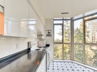 """Photo 13: 903 6888 STATION HILL Drive in Burnaby: South Slope Condo for sale in """"SAVOY CARLTON"""" (Burnaby South)  : MLS®# R2336364"""