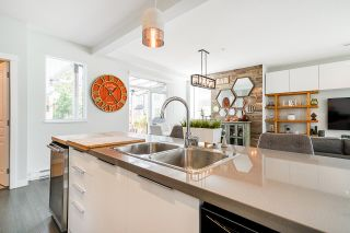 """Photo 8: 8 8138 204 Street in Langley: Willoughby Heights Townhouse for sale in """"Ashbury and Oak"""" : MLS®# R2507978"""