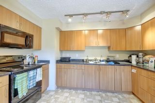Photo 7: 29 4061 Larchwood Dr in : SE Lambrick Park Row/Townhouse for sale (Saanich East)  : MLS®# 885874