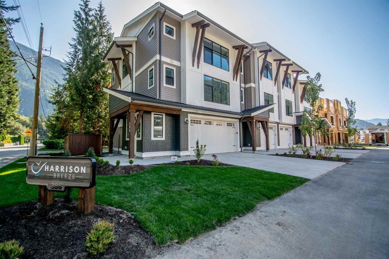 Main Photo: 14 386 PINE AVENUE: Harrison Hot Springs Townhouse for sale : MLS®# R2409034