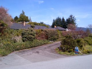 Photo 1: 1413 Sandhurst PL in West Vancouver: Chartwell House for sale