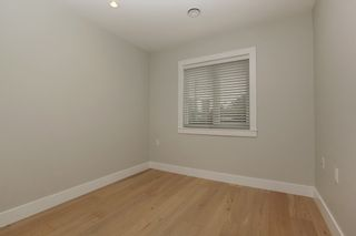 Photo 13: 231 W 19TH Street in North Vancouver: Central Lonsdale 1/2 Duplex for sale : MLS®# R2202845