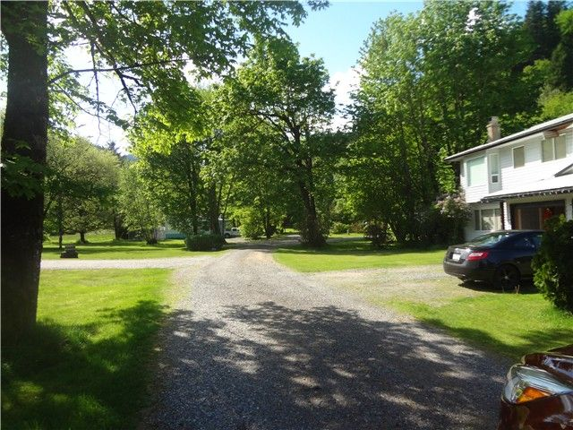 Photo 3: Photos: 58597 LOUGHEED Highway: Agassiz Manufactured Home for sale : MLS®# H1401102
