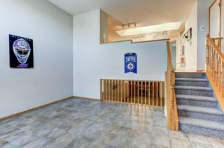 Photo 2: 96 Valley Stream Close NW in Calgary: Valley Ridge Detached for sale : MLS®# A1080576