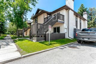 Photo 2: 15 Cedar Spring Gardens SW in Calgary: Cedarbrae Row/Townhouse for sale : MLS®# A1103133